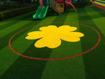 China Safe Comfortable Eco Friendly Artificial Grass For Playground Oem Design factory