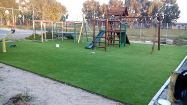 China Comfortable Green Soft Artificial Synthetic Grass For Kindergarten factory