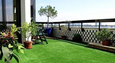 China Low Cost Sports Synthetic Grass / Decorative Artificial Grass For Dog Run factory