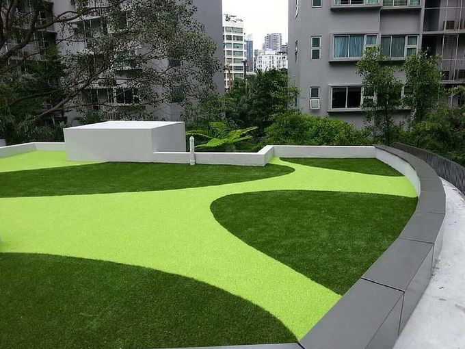 Recycle Soft Artificial Grass For Roof Terrace PP Grid Base Fabric